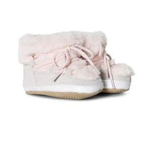 NWOT Baby Gap Girls Pink  Booties /18-24mo